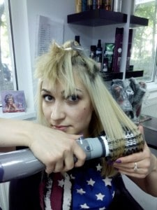 Curl your hair with hot air round brush
